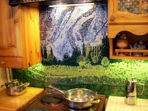Мозаика на кухне очень стильно, но практично ли?