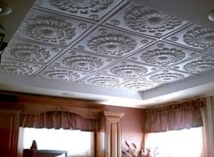 Облицовочные плитки для потолка из пенополистирола